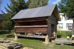 Stavba včelína